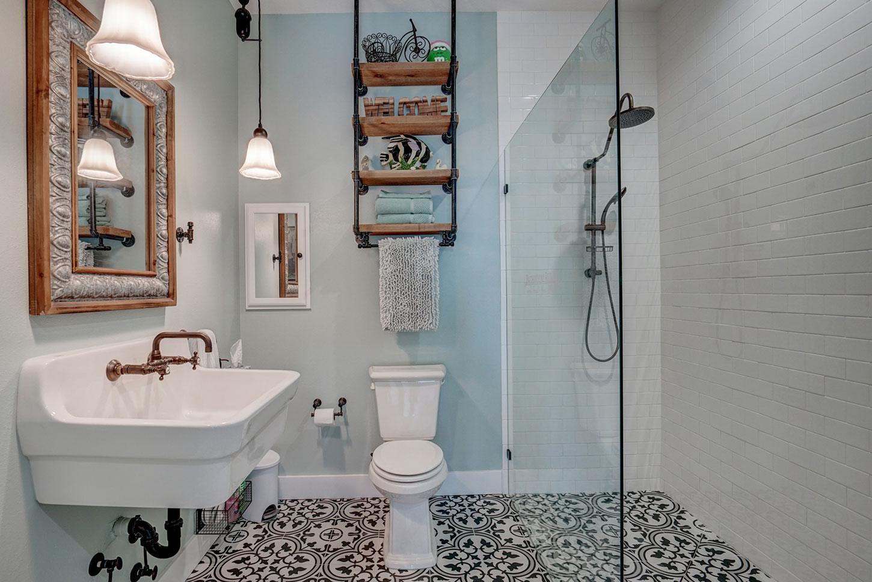 211-W-Canal-Dr-bath