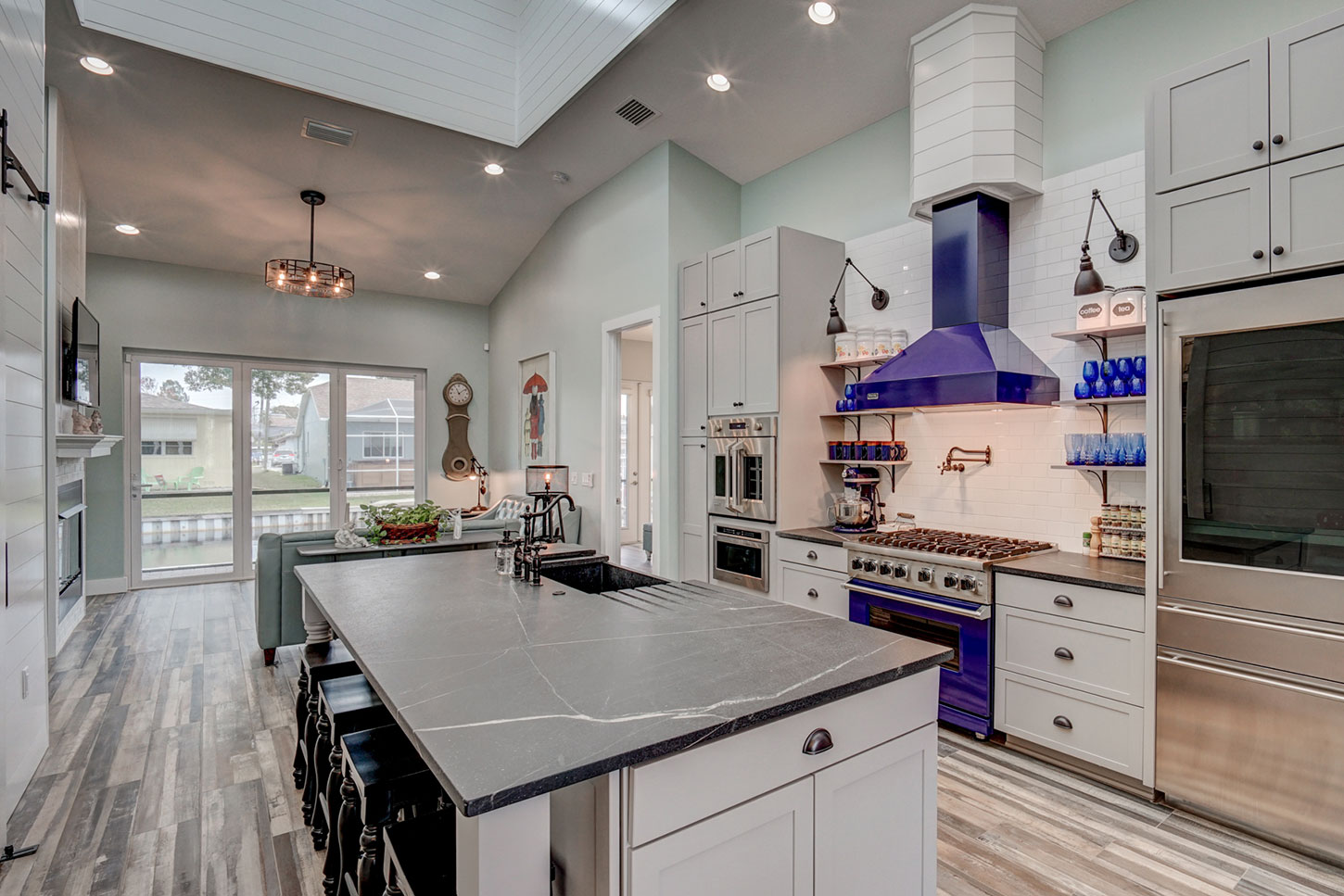 211-W-Canal-Dr-kitchen